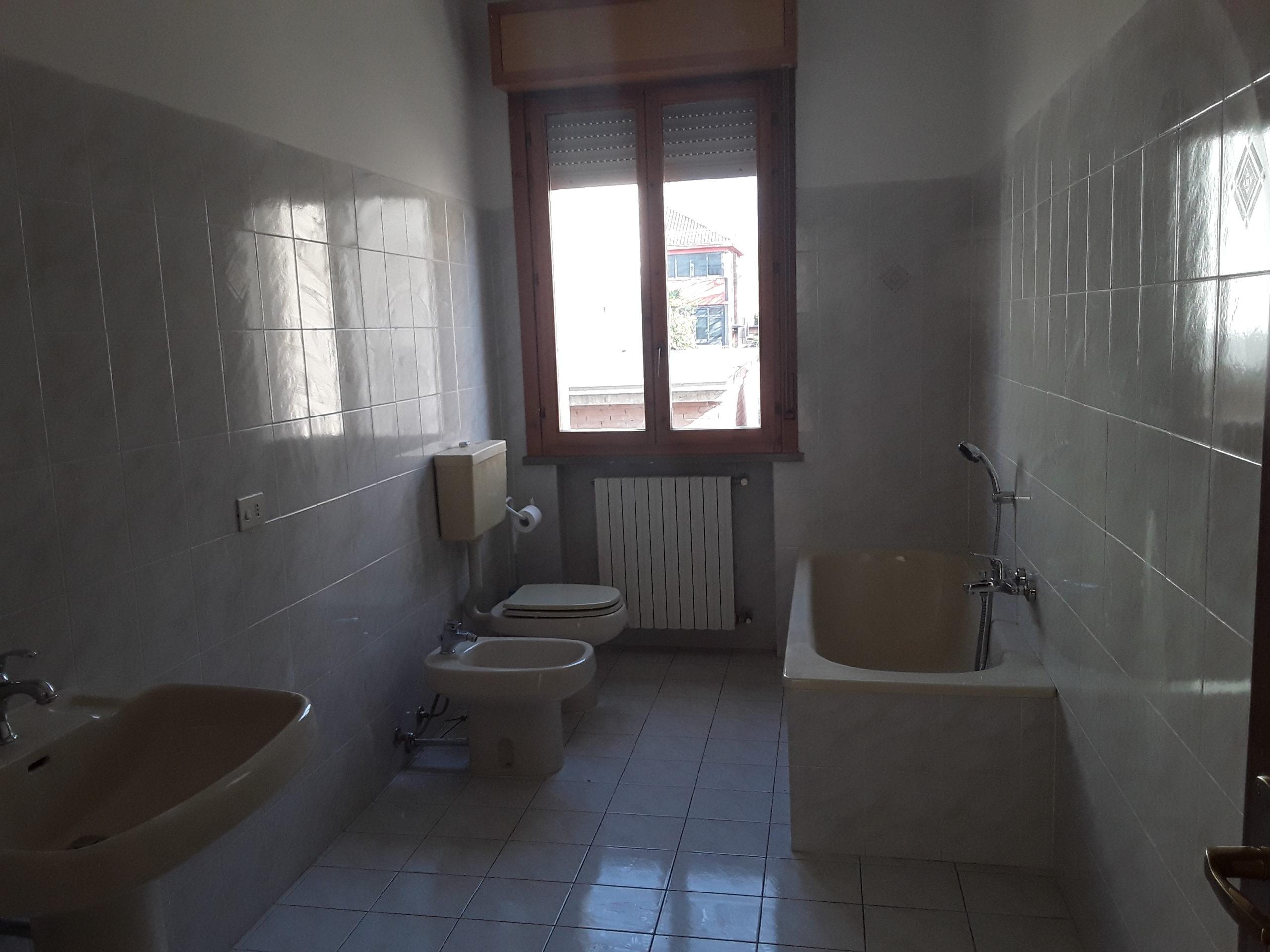 Ofr 925 Appartamento in vendita a S.Ilario d'Enza € 180.000